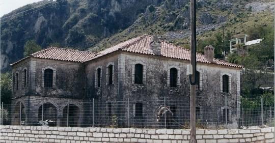 Θεσπρωτία: Το χαράτσι του ΕΝΦΙΑ κλείνει τα σπίτια στα χωριά µας - Του Πέτρου Μίντζα